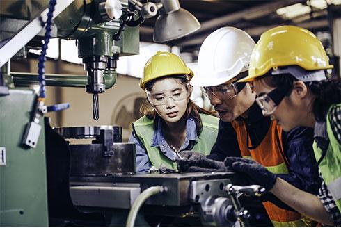 外国人技能実習生の受け入れ・育成企業の発展をサポートいたします。